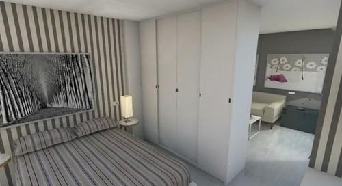 черно-белая спальня с полосатым декором