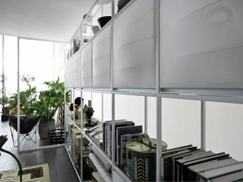 современные текстильные дверки с алюминиевыми рамками