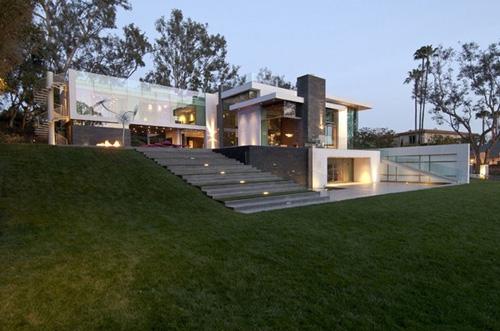 элитный частный дом на холме