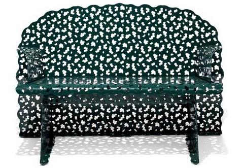 ажурная скамья в топиарном стиле