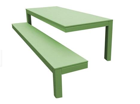 оригинальная садовая мебель на трех ножках
