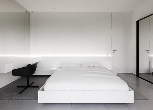 черно-белая гамма в интерьере спальни