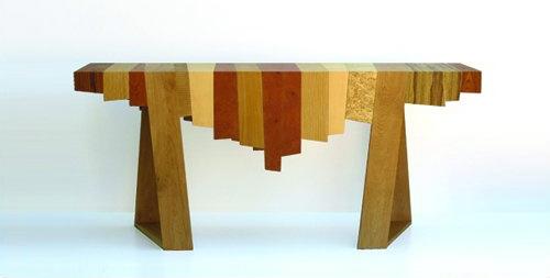 необычный стол из обрезков древесины