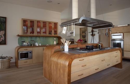 необычная барная стойка для кухонного острова