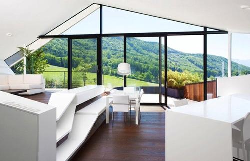 интерьер дома с панорамным вид2bc2ом на горы