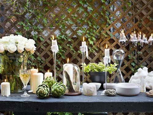 декорирование обеденного стола на террасе