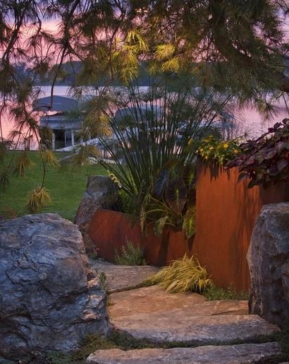 каменные ступени в ландшафтном дизайне
