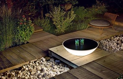 кофейный столик со светящимся полусферическим основанием