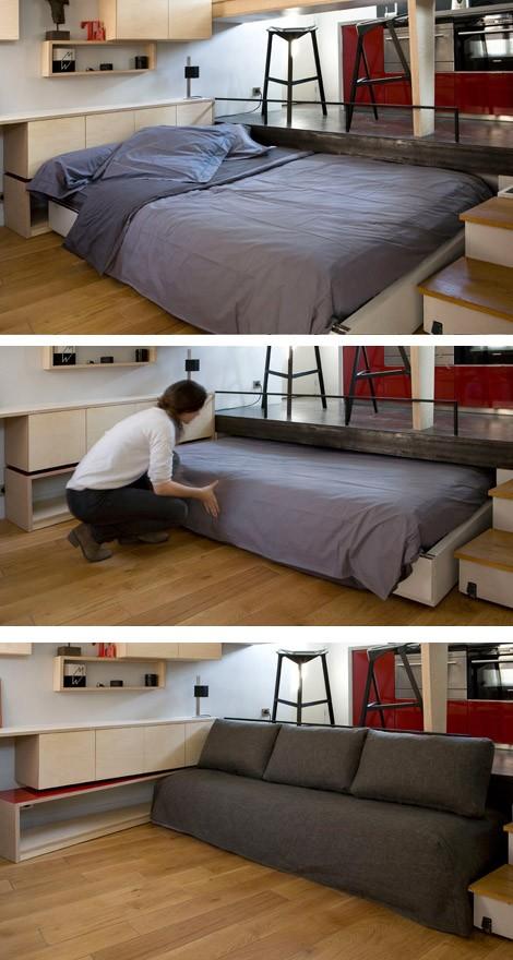 подиум в маленькой студии с выдвижной кроватью