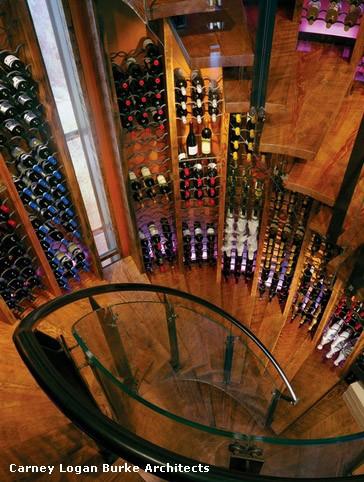 хранения вина на лестнице