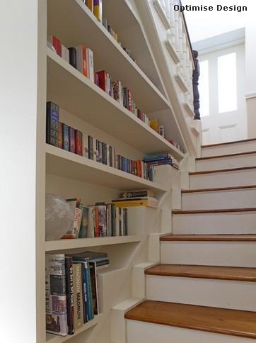хранение книг на лестнице