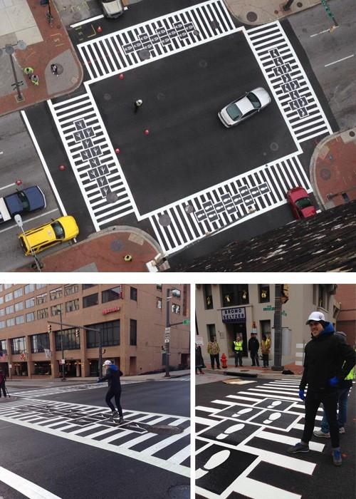 пешеходный переход с игрой в классики на перекрестке Балтиморы