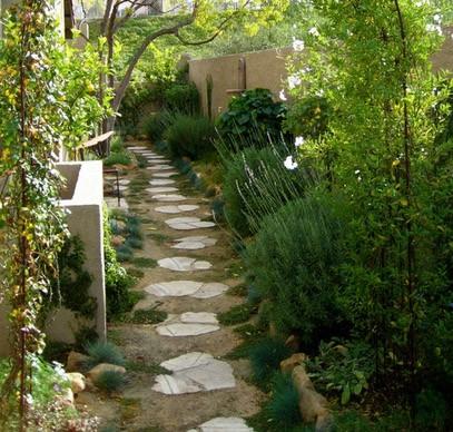 оригинальная пошаговая садовая дорожка