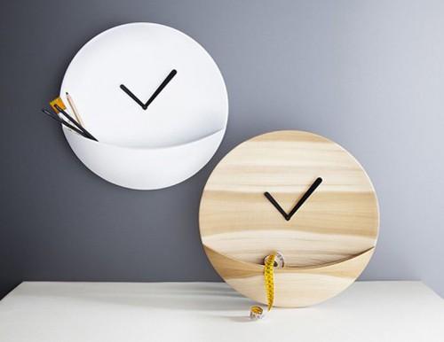 варианты использования кармашка настенных часов