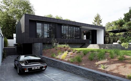 современный дом с внутренним двориком