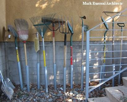 садовые инструменты с цилиндрическими опорами