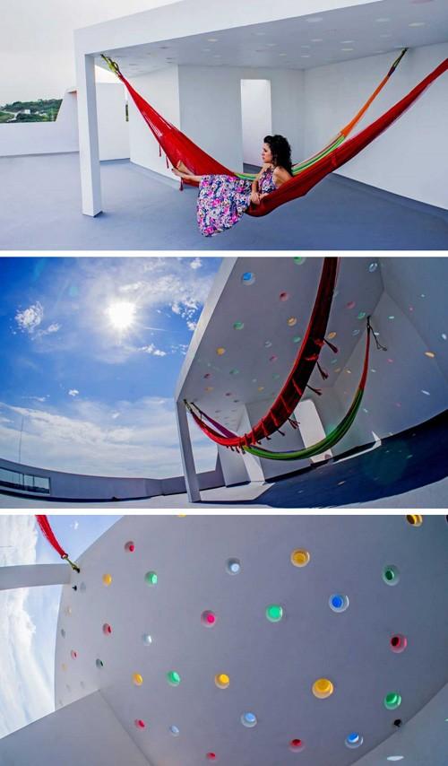 терраса на крыше с гамаками