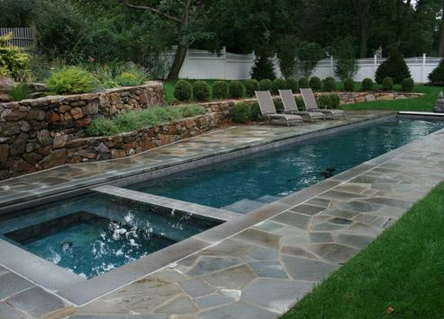 узкий бассейн с джакузи