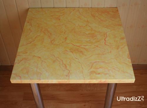 отреставрированный обеденный стол