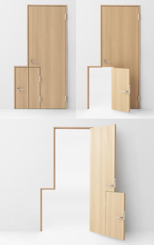 распашная деревянная дверь с детской створкой