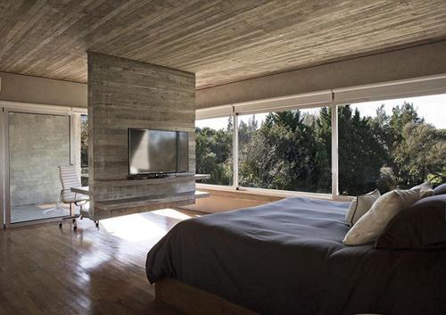 функциональная бетонная перегородка в спальне
