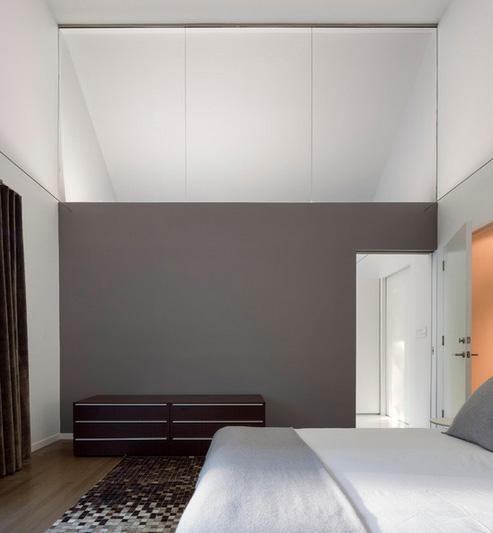 фрамуга в спальне без окон