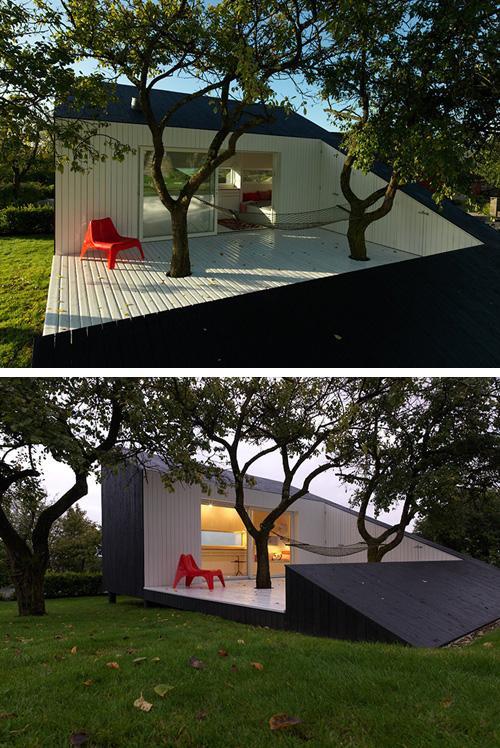 садовый домик с пристроенными хозпостройками