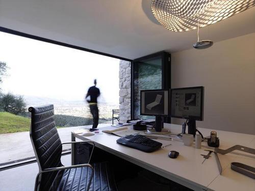 дизайнерская студия в частном доме