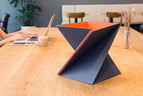 полая подставка под ноутбук или планшет
