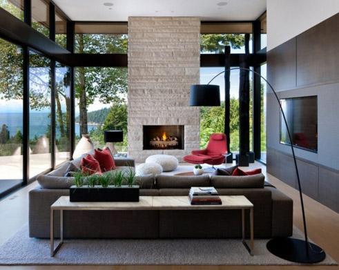 фото гостиной с зажженным камином