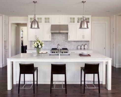 высокие двери для кухни с низким потолком