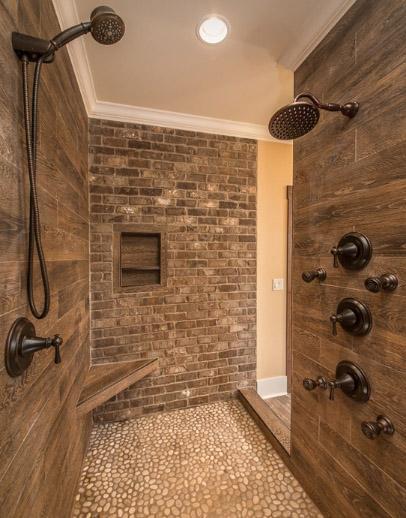 душ в строительном исполнении с порогом