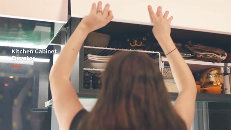 опускающиеся кухонные шкафчики