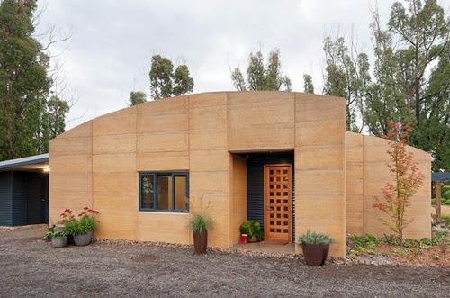 одноэтажный глинобитный дом