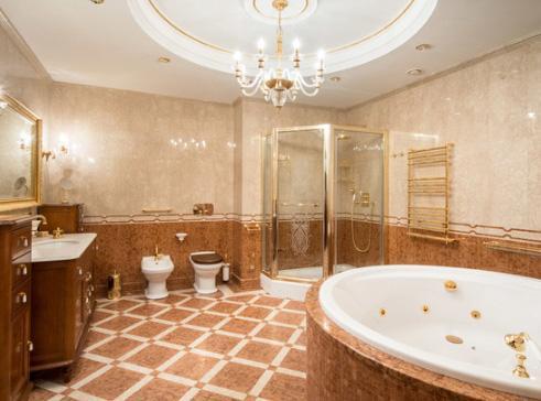 элитная сантехника в классической ванной