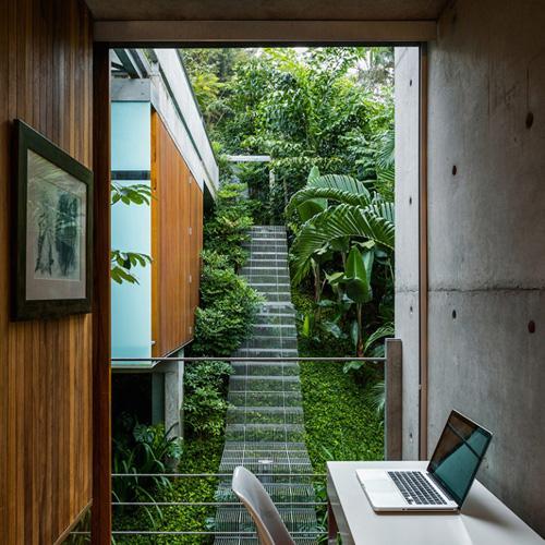 парящая садовая лестница