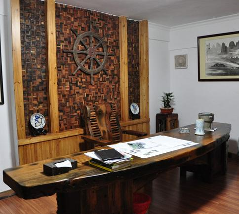 3D деревянная мозаика в интерьере кабинета